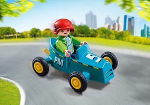 Chlapec s motokárou 5382