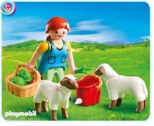 Selka s ovcemi 4765