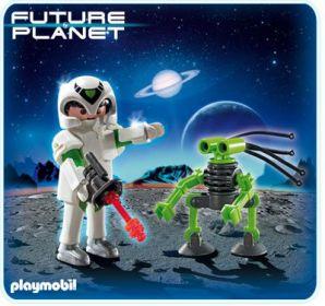 Astronaut a robot 5241