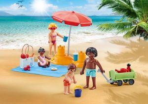 Rodina na pláži 9819