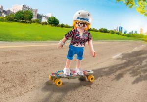Skateboardistka 9338